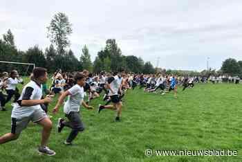 2.000 leerlingen lopen rond Stroppen (Halle) - Het Nieuwsblad