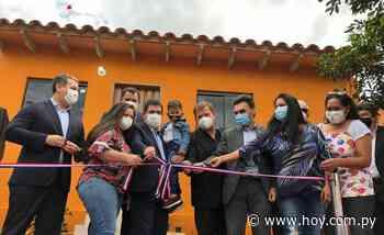 Familias de Lambaré recibieron 65 viviendas - Hoy