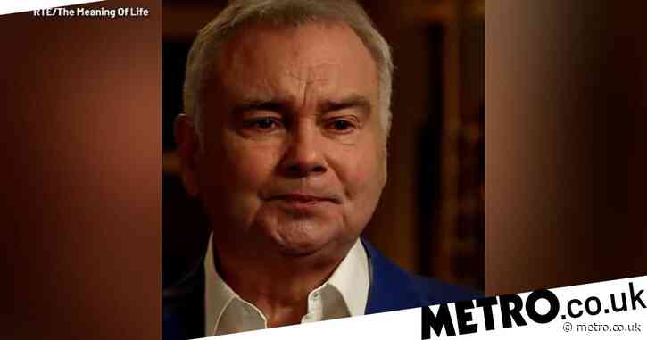 Eamonn Holmes breaks down in tears remembering his beloved late father: 'I still miss him every day'