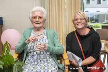 Martha is 104 jaar oud en dat werd gevierd