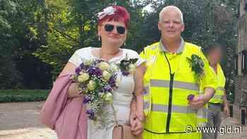 Aanjagers gele hesjes Tiel stappen in geel huwelijksbootje - Omroep Gelderland