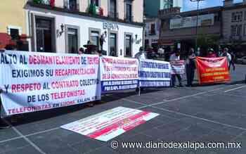 Telefonistas se manifiestan porque temen perder el 40% de su salario - Diario de Xalapa