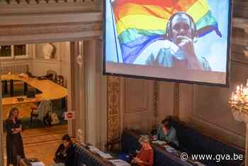 Debat Anti-LGBTQ-stickers zorgt voor aanvaring met Vlaams Belang in gemeenteraad - Gazet van Antwerpen