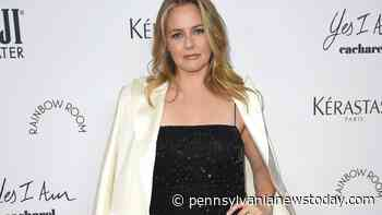 Alicia Silverstone Looking For Love In A Dating App   Celebrities - Pennsylvanianewstoday.com