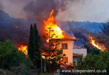 La Palma volcano news – live: Thousands evacuated as eruption sparks toxic gas fears