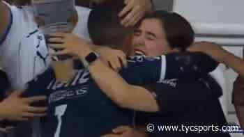 La reacción de la hincha abrazada por Rogelio Funes Mori tras el festejo de gol con Monterrey - TyC Sports