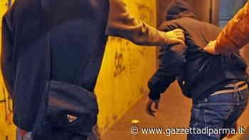 Collecchio, baby gang in azione alle giostre: almeno sei minorenni aggrediti per tentare di rubare i soldi - Gazzetta di Parma