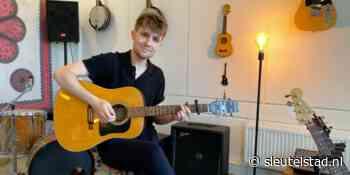 Leidse singer songwriter Melle wil naar Lowlands - Sleutelstad