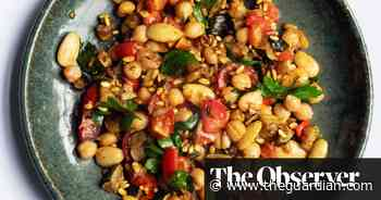 Nigel Slater's puffed rice with courgette and tomatoes recipe