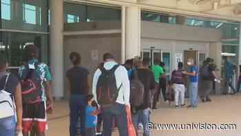 Varios camiones con inmigrantes haitianos llegaron a San Antonio para ser repatriados - Univision 41 San Antonio