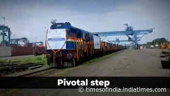 Dwarf container train service flag off from JNPT