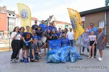 Lions Club ruimt samen met jongeren zwerfvuil langs de Dender