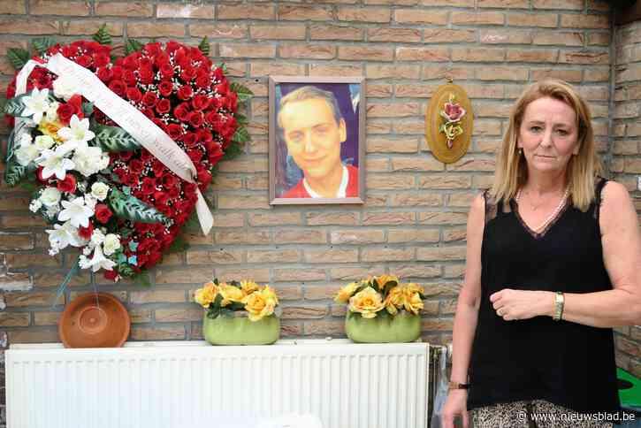 """Ontroerend herdenkingsmoment voor vijf jaar geleden verdronken Didier: """"Hoop op gerechtigheid leeft nog"""""""