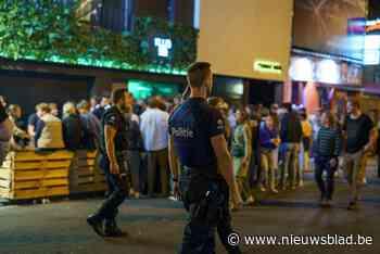 Opnieuw gaat het mis in Overpoort: twintiger geeft agent kopstoot en schopt andere in het gezicht