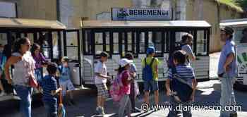 Organizada una visita a Guadalupe y al fuerte para personas con discapacidad auditiva - Diario Vasco