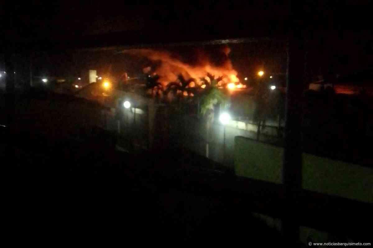 Fuerte incendio en sede de Inter Cable en Cabudare (+VIDEO) - Noticias Barquisimeto