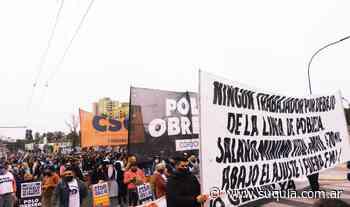 Caos de tránsito en el centro por marchas de organizaciones sociales - Radio Suquia