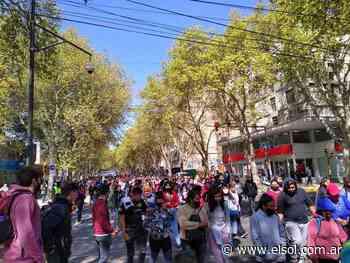 Una masiva marcha del Polo Obrero generó caos de tránsito - Diario El Sol Mendoza