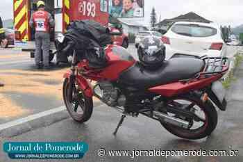 Acidente envolve veículos e moto, no Centro - Jornal de Pomerode