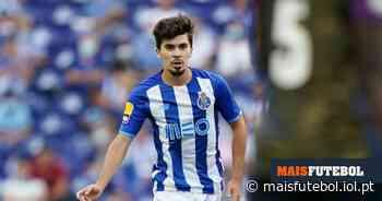 FOTO: filha de Vitinha equipada a rigor para apoiar o FC Porto | MAISFUTEBOL - Maisfutebol