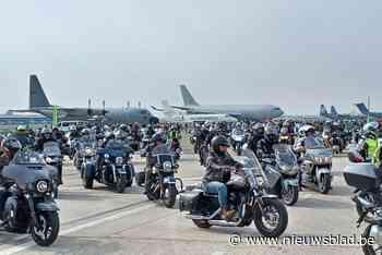 Inwoners bezoeken nieuwe vliegtuigloods van Defensie