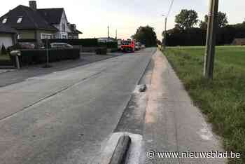 Wagen rijp voor schroothoop na knal over kersverse betonnen biggenruggen