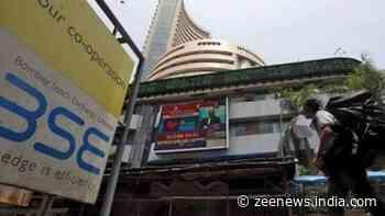 Sensex dips 78 pts, Nifty ends below 17,550