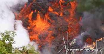 Acid raid from La Palma volcano eruption to hit Spain's holiday hotspots tomorrow