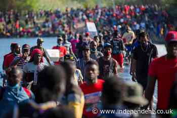 Why are thousands of Haitian migrants at the Texas border town of Del Rio?