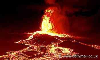 La Palma eruption enters 'new explosive phase'