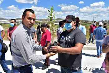 El alcalde César Peña entrega concreto en acceso a Santa Elena - Notigram