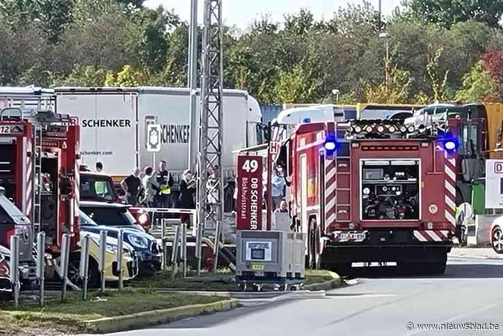 Vat met chemisch product lekt bij DB Schenker: 50 werknemers geëvacueerd