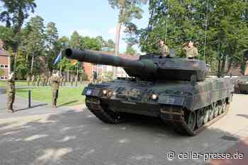 Übergabe und Versetzungen in den Ruhestand an der Panzertruppenschule in Munster - Celler Presse