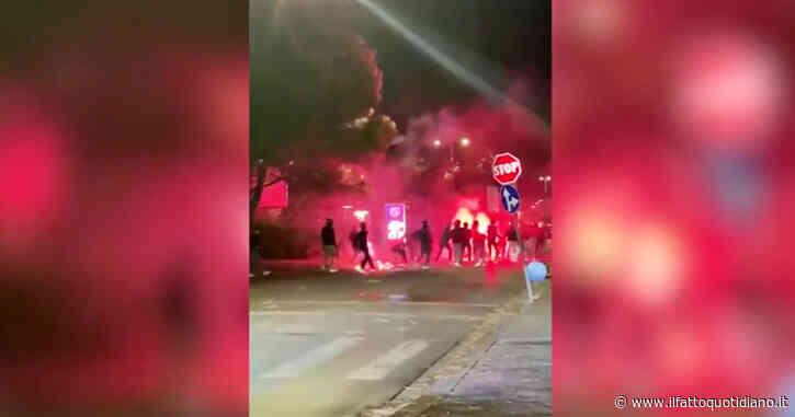 Fiorentina-Inter, bastonate e lancio di fumogeni tra ultras: gli scontri fuori dallo stadio – Video