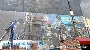Colón prepara un mural con su DT y equipo campeón - UNO Santa Fe