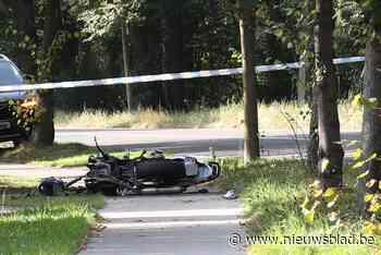 Motorrijder in levensgevaar na frontale botsing tegen wagen in Schilde