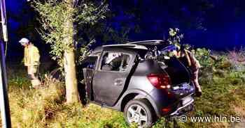 72-jarige man zwaargewond na stevige klap tegen boom in Geluwe - Het Laatste Nieuws