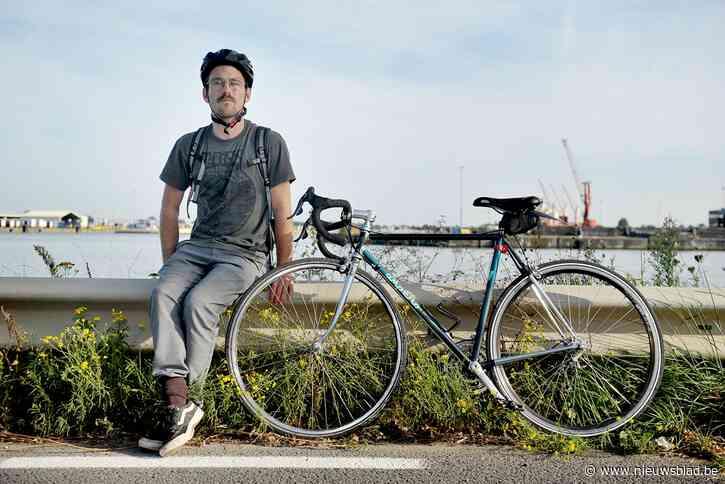 """Gilles nam ontslag omdat hij vreest voor zijn leven op weg naar het werk: """"Ik wil niet verongelukken zoals mijn maat"""""""