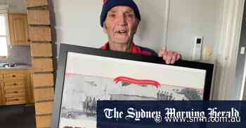 The lion tamer who saw three Melbourne flags barracks for another