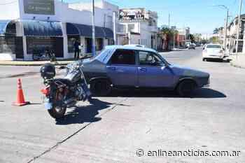 Pueblo Nuevo: Una embarazada trasladada al hospital tras el choque de un auto y una moto - En Línea Noticias