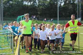 Leerlingen leven zich uit tijdens scholenveldloop en sportda... (Meerhout) - Het Nieuwsblad