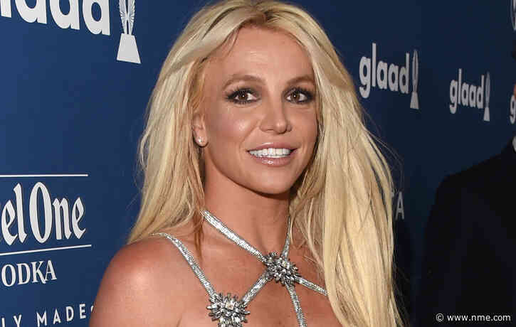 Britney Spears wants her father removed from her conservatorship within a week