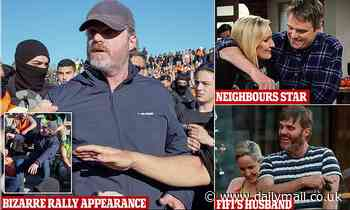 Neighbours actor Damien Richardson spotted at Melbourne's Covid war memorial protest