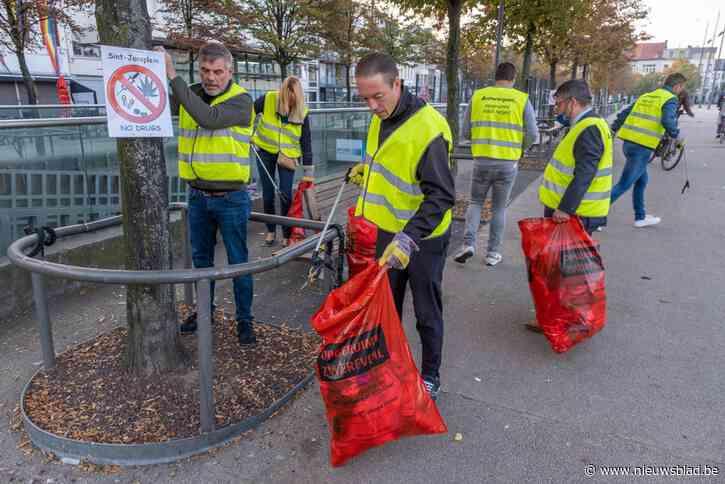 """<strong></strong>Vlaams Belang ruimt Sint-Jansplein op: """"Nood aan permanente politiepost en nultolerantie"""""""