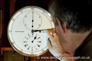 Autumn clock change UK: When do clocks go back in 2021?