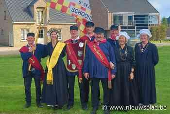 Ex-cafébaas bekroond tot koning van Schoonbroek
