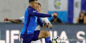 Hugo Pérez busca un delantero centro para la selección de El Salvador - El Gráfico