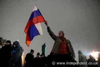 Kremlin critics to contest online voting in Duma election
