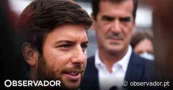 Rodrigues dos Santos no Porto ao lado de Rui Moreira com elogios cruzados e armas apontadas ao Governo - Observador