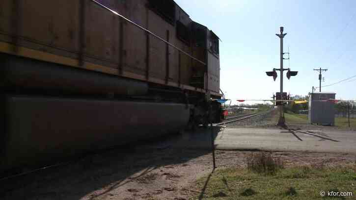 Guthrie police ask community members to take precautions at train crossings